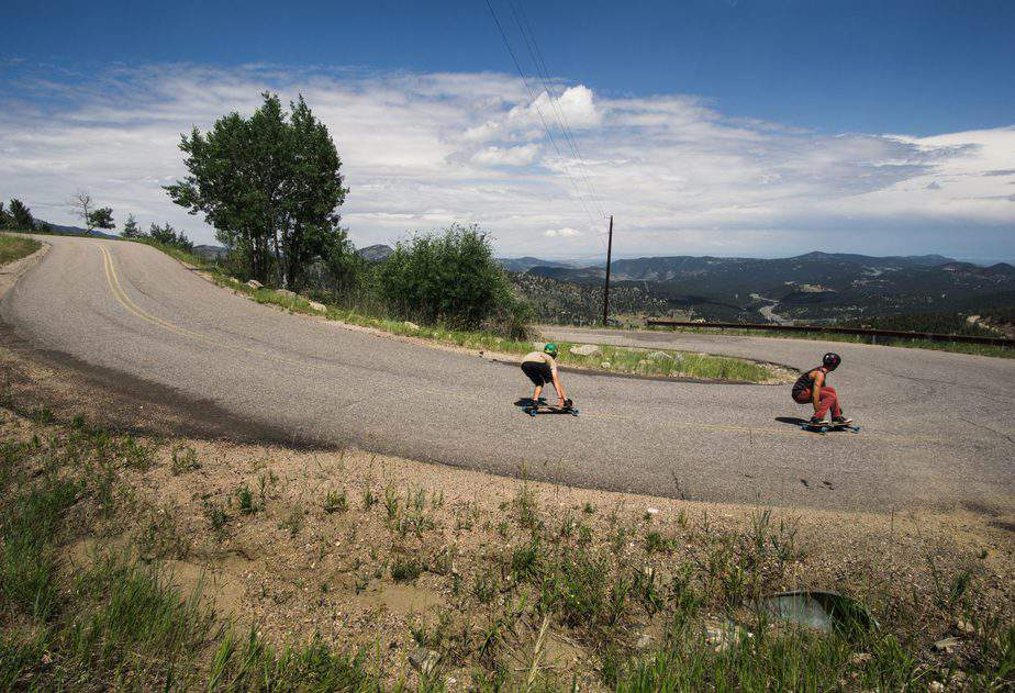 5 Tips to Select Your Best-Suited Downhill Longboard Trucks 1