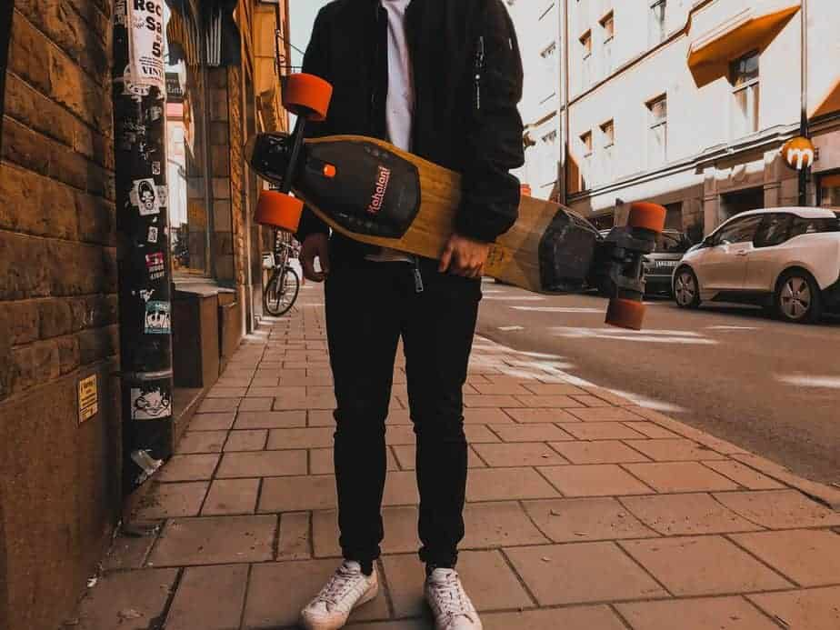 Find Your Best Buying Between Different Types of Longboards 1