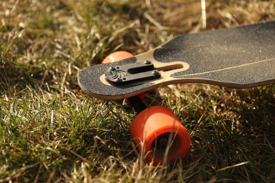 Slide Longboards? Here's How to Master It in No Time! 1