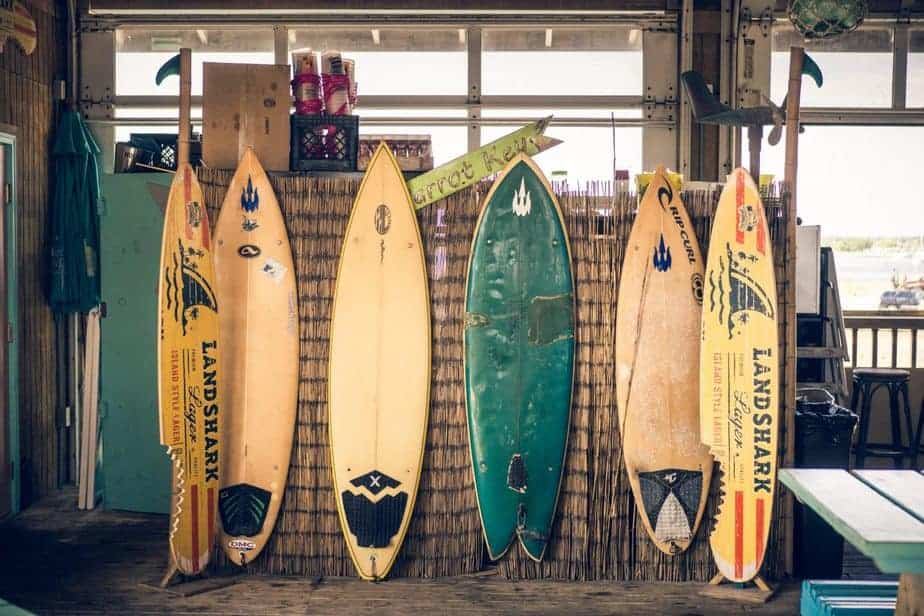 Here's Reason to Help You Decide. Surfboard or Paddle Board 1