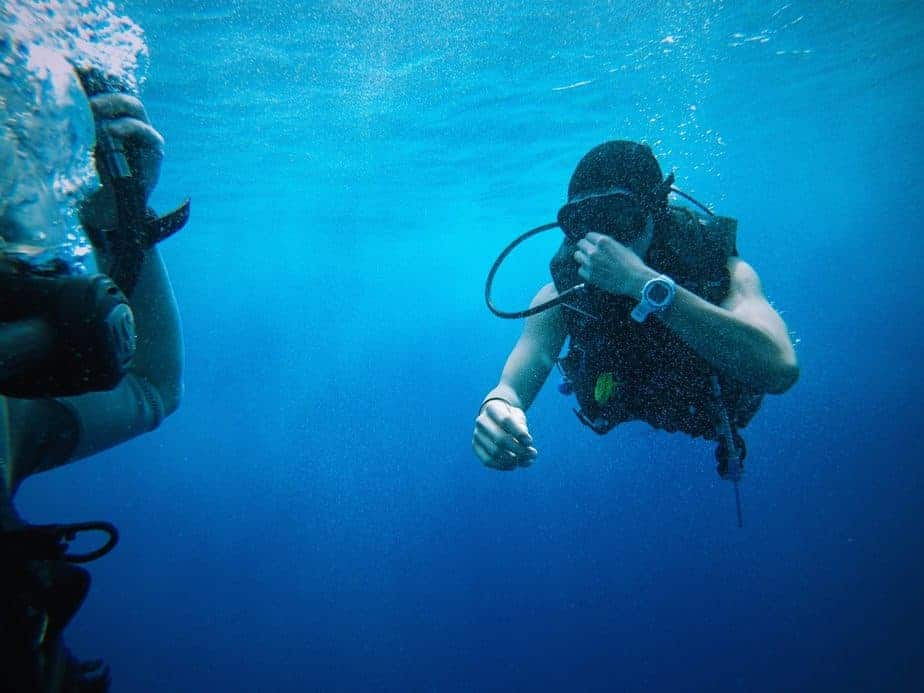 Scuba Diving with Glasses? Various Solutions Are Here for You 1